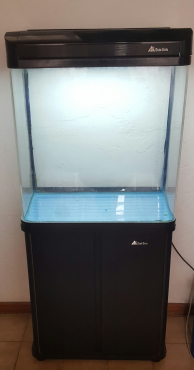 SunSun Fish Tank and Accessories