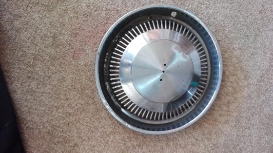 Chev 2.5: hub cap
