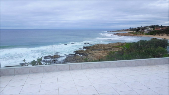 RAMSGATE FRONT ROW! PERFECT PENTHOUSE! –– R2,4m