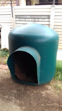 Large Igloo Dog Kennel for Sale