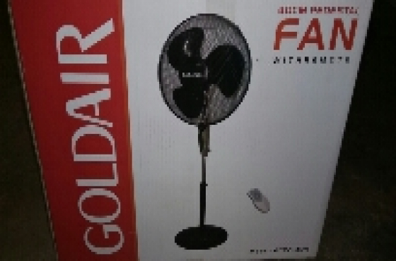 Goldair pedestal fan with remote. black. new