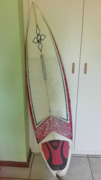 Surfboard very light in good condition