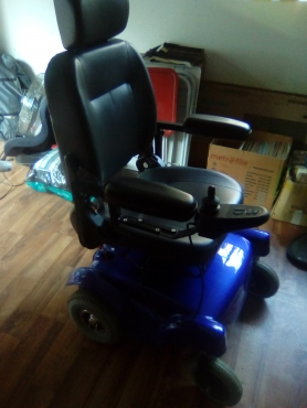 Motorized wheelchair excellent conditions