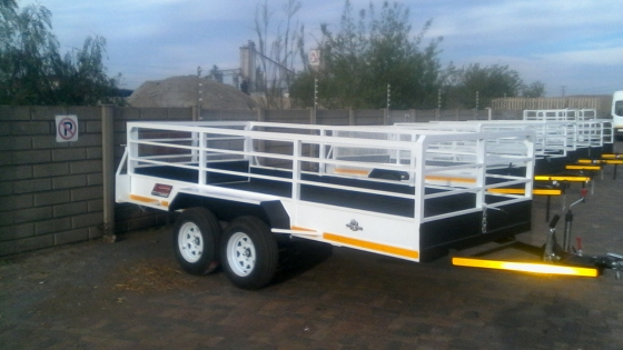 NEW 4M TRAILERS.HOOK&GO