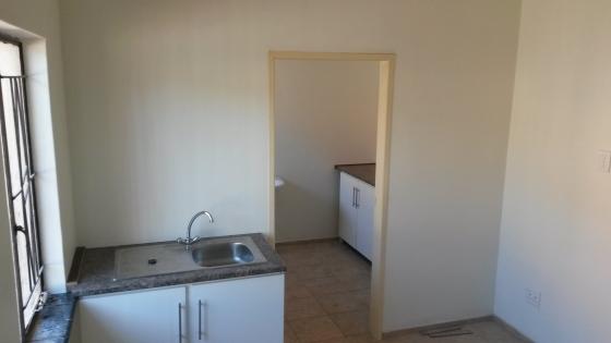 1 Bedroom Garden Flat In Daspoort R2700 pm
