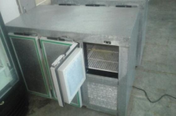 Bar fridge for sale..