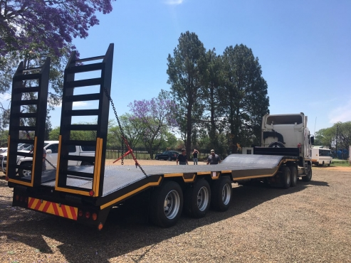New Lowbed with Ramps