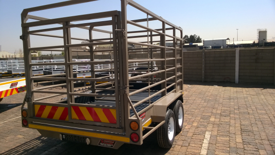 NEW 3.5M CATTLE TRAILERS.HOOK&GO