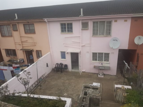 3 bed attached duplex in Rydalvale, Phoenix
