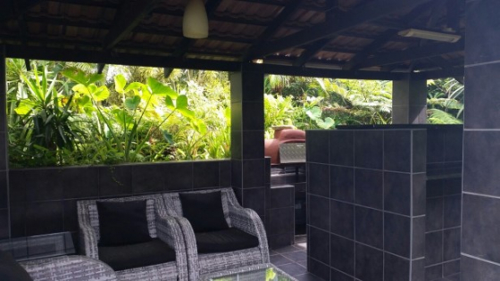 Modern 4 Bedroom,2 Bathroom House with Swimming Pool for sale in Port Edward
