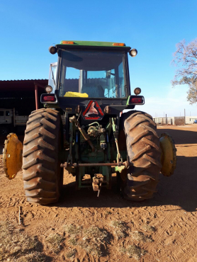 John Deere 8450 Tractor | Junk Mail
