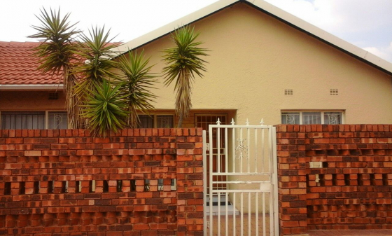 Town house for sale in soweto