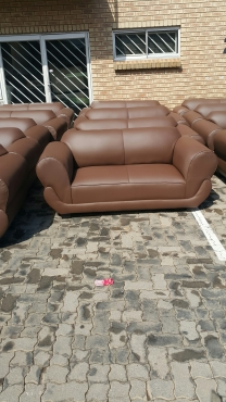 PIXI 2 SEATER COUCH