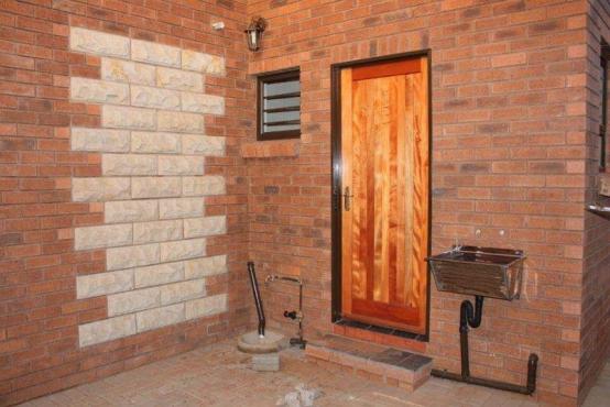 2 bed 2 bath 2 garage Bloemfontein Townhouse
