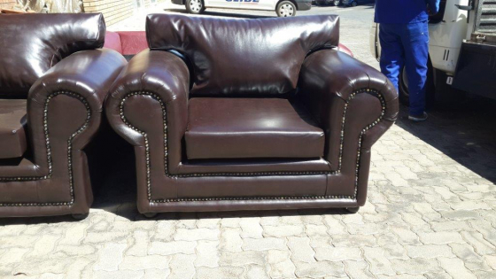 ALBI 1 SEATER COUCH