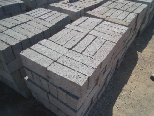 FOR SALE - MAXI CEMENT BRICK