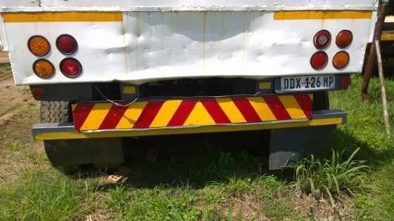 Great Buy! 2005 4 Axle 10m flatdeck drawbar trailer!