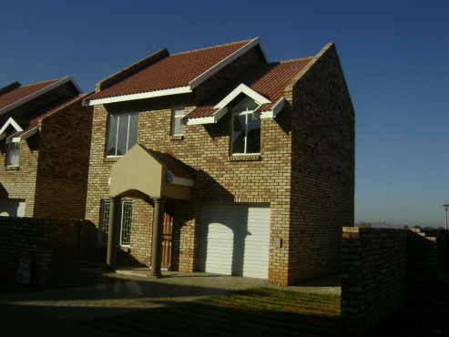 3 Bedroom townhouse in Baillie Park