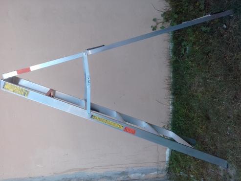 Gravity aluminium ladder