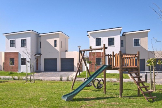 3 Bedroom TownHouse in Brackenfell South