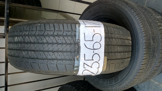 Excellent condition 235 65 17 and 295 35 21 tyres 75%tread.