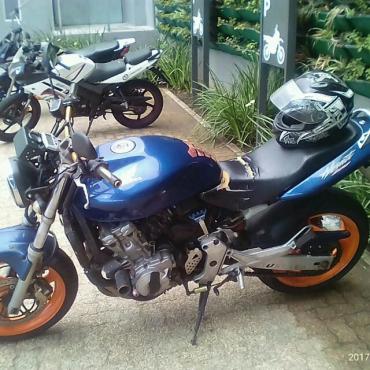 Honda CB600FX Hornet