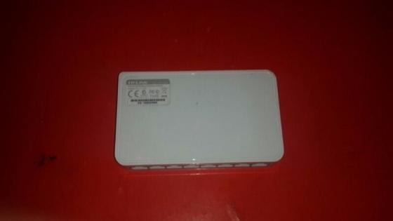 TP-LINK TL-SF1008D 8-port 10/100Mbps Desktop Switch 5 available