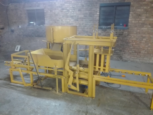 BLOCK MACHINE FOR SALE