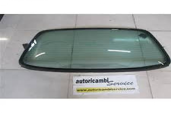 Alfa Romeo 156 Front and rear windscreen for sale  contact 076427850 9  whats app 076427850 9