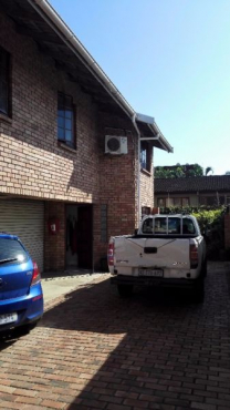 Glenwood House to Share - 1 room available in relaxed, professional 4-bedroomed duplex