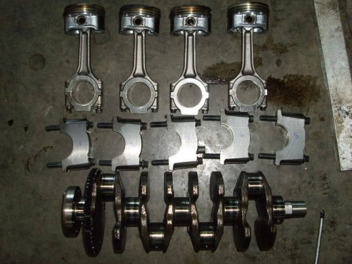 GENUINE ALFA ROMEO 147 and 156 2.0   t.spark  crankshaft , pistons and conrods  for sale  We Deliver
