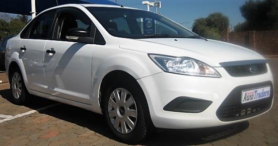2010 Ford Focus 1.8 sedan Ambiente