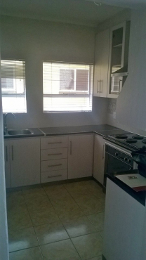 3 BEDROOM FLAT VERY STYLISH AT A GREAT PRICEEEEE CALL