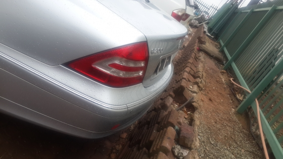 W203 C200  Mercedes-Benz Stripping For Spares