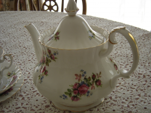 Antique Royal Albert MOSS ROSE tea set