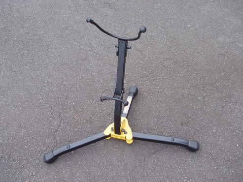 Guitar Stand - Hercules - as new