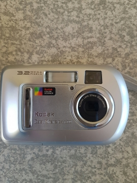 Kodak CX7300 3.2 MP Digital Camera For Sale: