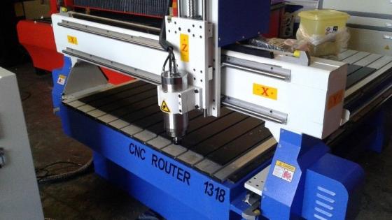 Router C N C 1300 x 1800 mm