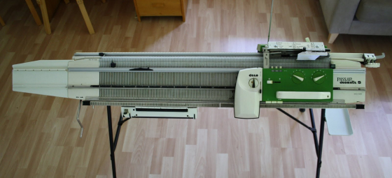 Knitting Machine For Sale South Africa : Passap duomatic green knitting machine junk mail