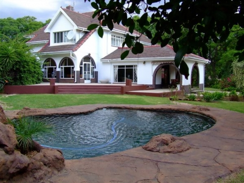 BARGAIN!!!  BUSINESS FOR SALE - Guest House Witbank 13 rooms