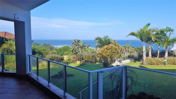 RAMSGATE RIGHT ON THE BEACH!! – R1 590 000! LUXURY!! POSITION-POSITION-POSITION!!