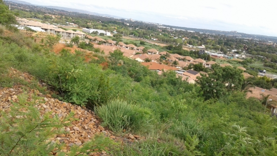 Stand to build your dream home in Pretoria East with a nice view