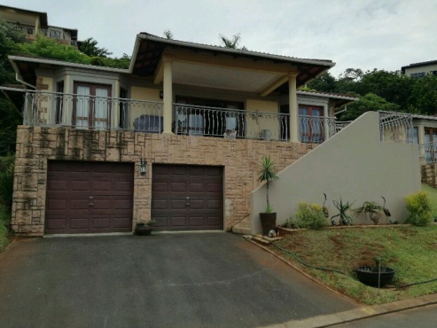 Cosy 3 bedroom house in Secure Estate