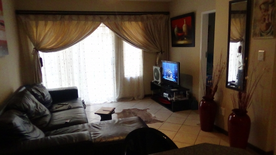 2 Bedroom for Sale Fairway Gardens, The Orchards – R 550 000