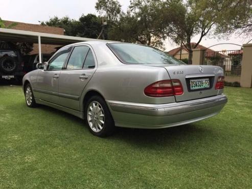 2001 Mercedes Benz E320 Elegance A/T