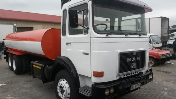 Water tanker/ water trucks for hire