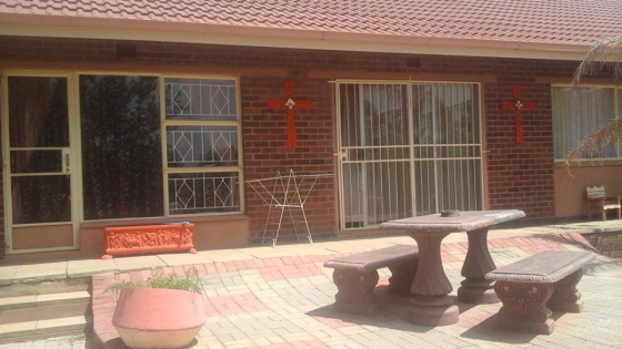 BEAUTIFUL HOUSE IN VIRGINIA CLOSE TO THE CBD GREAT PRICE 3 BEDROOMS AND LOT OF FEATURES COME