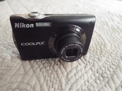 Nikon Coolpix S4000 Touch Screen Camera
