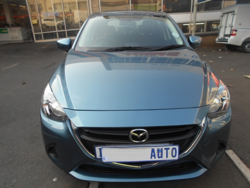 2015 Mazda 2 1.2 Hatch Back 700km  Sky Active Technology Manual Drive, Cloth Upholstery, Aux, iPod,