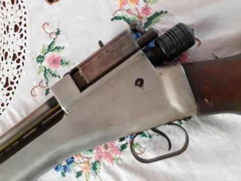 Crosman Arms  Air Rifle